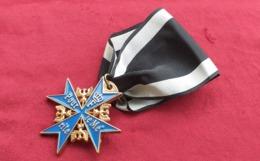 Croix Pour Le Merite Prussia 1740 Blauer Max Ottima Replica Con Nastrino - Medals