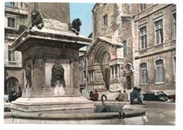 CITROEN DS à Arles (13) - Passenger Cars