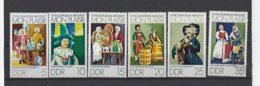 DDR: 1657/ 1662 **  Musée Des Poupées - Puppen