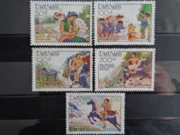 VIETNAM 1989 Y&T N° 977 à 981 ** - LA LEGENDE DE GIONG - Vietnam