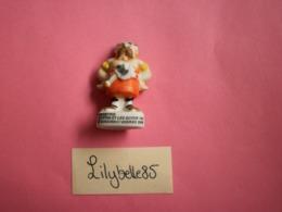 Feve Mate En Porcelaine COUDETRIC - Série AVENTURES ASTERIX LE GAULOIS 2002 ( Figurine Miniature Charm Bisque ) - Strips