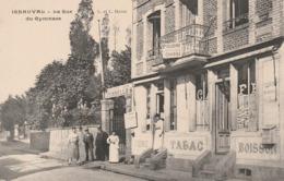 CPA:CAFÉ TONNELLES CIDRE TABAC BOISSON RUE DU GYMNASE IGNAUVAL (76) ANIMÉE - France