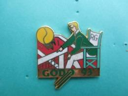 Pins Tennis, GODO 93 , Arbitre , Inscription Sur La Chaise RG - Tennis