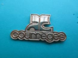 Pins COURREGES , Attention Reflets Parasites Recto Entierement De Couleur Dorée - Trademarks