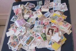 VRAC DE  Timbres Et Cartes Postales Anciennes    58 Scans - Stamps