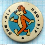 USSR / Badge / Soviet Union / UKRAINE. French Comics The Adventures Of Pif . The Dog. 1970s - Stripverhalen