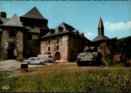 ! Moderne Ansichtskarte Clervaux, Autos, Cars, PKW Opel, Transporter, Tank, Chateau, Panzer - PKW