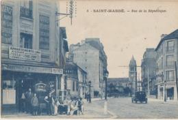 Saint-Mandé  94   La Rue De La Republique-Voitures-Pharmacie En Face Café-Tabac Avec Terrasse Tres Animée - Saint Mande