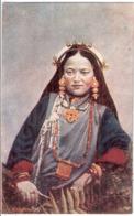 Thibetan Lady In Tracht Color Tibet Tibetian Lady Ungelaufen - Tibet