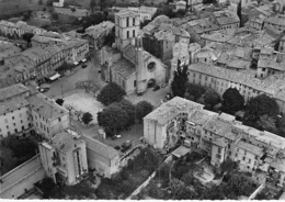 04 - FORCALTIER : Vue Aérienne Sur La Cathédrale - CPSM Dentelée Noir Blanc GF N° Y 69309  - Alpes De Haute Provence - Forcalquier
