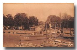 ROCHEFORT Sur MER Un Chasseur De Sous Marins Carte Rare (scan Recto Verso) Ref 0928 - Rochefort