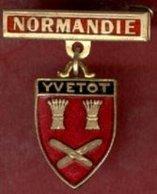 ** BROCHE  NORMANDIE  YVETOT ** - Brooches