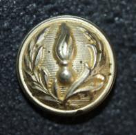 """Petit Bouton D'uniforme Ancien De Gendarme """"Gendarmerie Nationale"""" Fabricant : TW & W Paris (TRELON WELDON & WEILL) - Buttons"""