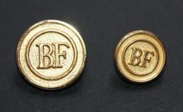 Rare ! Lot De 2 Boutons D'uniforme De La Banque De France (grand Et Petit Modèle) Bouton Doré - Uniformes