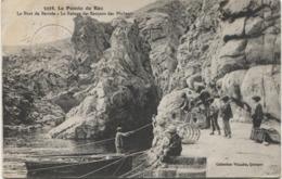 LA POINTE DU RAZ 1920 Le Port De Bestrée - Pêcheur - La Pointe Du Raz