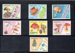 Guinea Bissau Nº 475-81 Tema Setas, Serie Completa En Nuevo, 40 € - Hongos