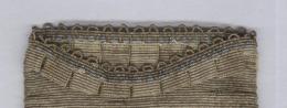Aumônière Ou Sac De Bal En Sablé De Perles De Métal 12,5 X 17 Cm Hors Franges - 220 Grammes - Fin XIXème - Purses & Bags