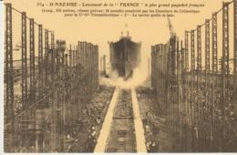 CP -  ST NAZAIRE - LANCEMENT DE LA FRANCE LE PLUS GRAND PAQUEBOT FRANÇAIS -- REPRODUCTIONS - 628 - CECODI - C'ÉTAIT LA F - Saint Nazaire