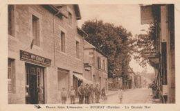 19--BUGEAT--LA GRANDE RUE--TABAC-PRESSE-COSTE--VOIR SCANNER - Andere Gemeenten
