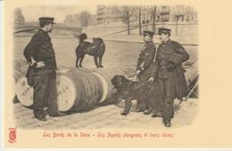 CP - LES BORDS DE SEINE - LES AGENTS PLONGEURS ET LEURS CHIENS - REPRODUCTIONS - A 232 - CECODI - C'ÉTAIT LA FRANCE - Police - Gendarmerie