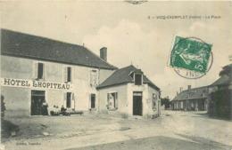 36 VICQ EXEMPLET  La Place Hôtel Lhopiteau 2scans - France