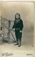 Grande Photo Enfant Devant Petit Pont De Bois Photographe  Emile PINEAU Place Jourdan Limoges - Anonieme Personen
