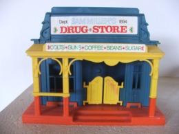Magasin Drug Store Western Cowboy  Marque Kohler En Plastique Dur Starlux Tympo - Starlux