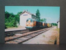 CFD Locomotive Diesel 2002 En UM à Sincey Les Rouvrais En Juillet 1994 Photo De Loisier - Trains