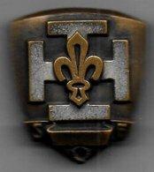 Insigne Scout Ancien - Modèle Rare ( Fixation Anneaux Et Pince ) - Padvinderij