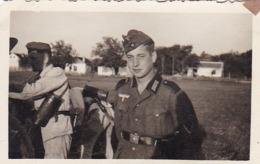 Foto Deutsche Soldaten - Gasmaskenbehälter - 2. WK -  8*5cm (43872) - Krieg, Militär