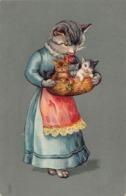 CHATS HUMANISES    - Chat Avec Ses Chatons ( Carte Gauffrée ) - Cats