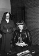 """LES COMEDIENNES AMARANDE  Et RENEE FAURE   Dans """" L'ange Noir """" - Personnes Identifiées"""