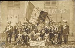 Cp Savigny Sur Orge Essonne, Portrait De Jeunes Poilus De La Classe 1920, Orchestre Avec Drapeaux - Autres Communes