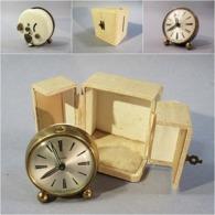 ~ REVEIL BAYARD DANS SON COFFRET - Horlogerie - Alarm Clocks