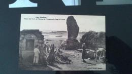 CPA -  6682. PLOZEVET - Menhir Du Droit De L'homme De La Plage Du Conté - Plozevet