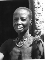 Photo Cameroun. Femme Mousgoum à La Frontière Du Tchad Photo Vivant Univers 1975 - Africa