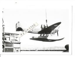 PHOTO AVION HYDRAVION LATéCOERE  298   MISE A L'EAU       12X8CM  ECPA - 1939-1945: 2nd War