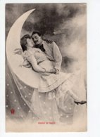 62 - Ph5 - COUPLE - Couple Amoureux Sur Un Quartier De Lune Souriante  *2 Cartes* - Couples