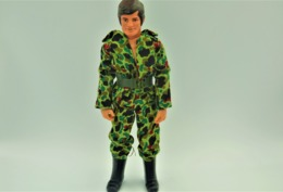 Vintage ACTION MAN TONG IND CO : SOLDIER WITH CLOTHES  - Made In HongKong Patent USA & UK - GI JOE - Action Man