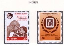 YEAR INTERN. OF CHILD - INDIA  - Mi. Nr. 784/785 - NH - (6532-24.) - Nuovi