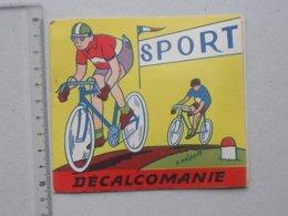 DECALCOMANIES Anciennes: LES SPORTS Livret Avec 3 Volets Intérieurs - Football Cyclisme Tennis  RAINAUD - JESCO Imagerie - Vieux Papiers