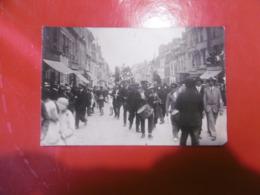 D 27 - Gisors - Cavalcade - Le Familistère - Le Vezelise Tabac - Carte Photo - Gisors