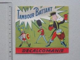 DECALCOMANIES Anciennes: TAMBOUR BATTANT Livret Avec 3 Volets Intérieurs - Tenue Militaire Suisse Italie  JESCO Imagerie - Collezioni