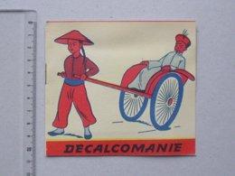 DECALCOMANIES Anciennes: CHINE TRADITION Livret Avec 3 Volets Intérieurs - Maison Art Martiaux Religion JESCO Imagerie - Vieux Papiers