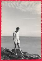 Homme En Maillot De Bain Torse Nu - Men - Photo - Anonyme Personen