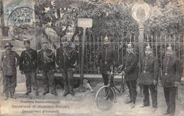 Thème:    Métier.  Douanier. Frontière Franco Allemande Villerupt  Gendarmes Français Et Allemands          (Voir Scan) - Police - Gendarmerie