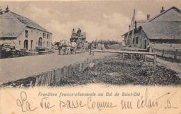 Thème:    Métier.  Douanier. Frontière Franco Allemande.Col De Saint Dié Gendarmes Français Et Allemands (Voir Scan) - Police - Gendarmerie