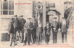 Thème:    Métier. Douanier. Frontière Franco Allemande.Col De La Schlucht  Gendarmes Français Et Allemands 3 (Voir Scan) - Police - Gendarmerie