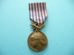 Médaille Des Postes Et Télégraphes( Attribuée 1959) - France