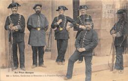 Thème:    Métier. Douanier. Frontière Franco Espagnole  Gendarmes Et Douaniers  (Voir Scan) - Police - Gendarmerie